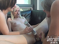 3 Girls - Lesbian Action