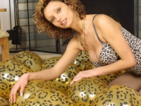 051 tiger balloons